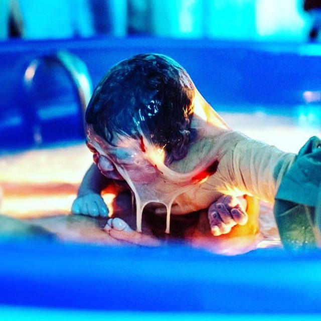 Come prepararsi al parto in acqua - Foto Copyright instagram.com/nadiadragone22