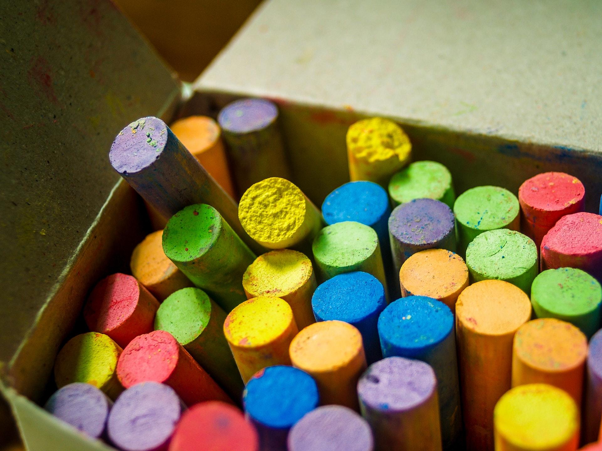 giochi con gessetti colorati