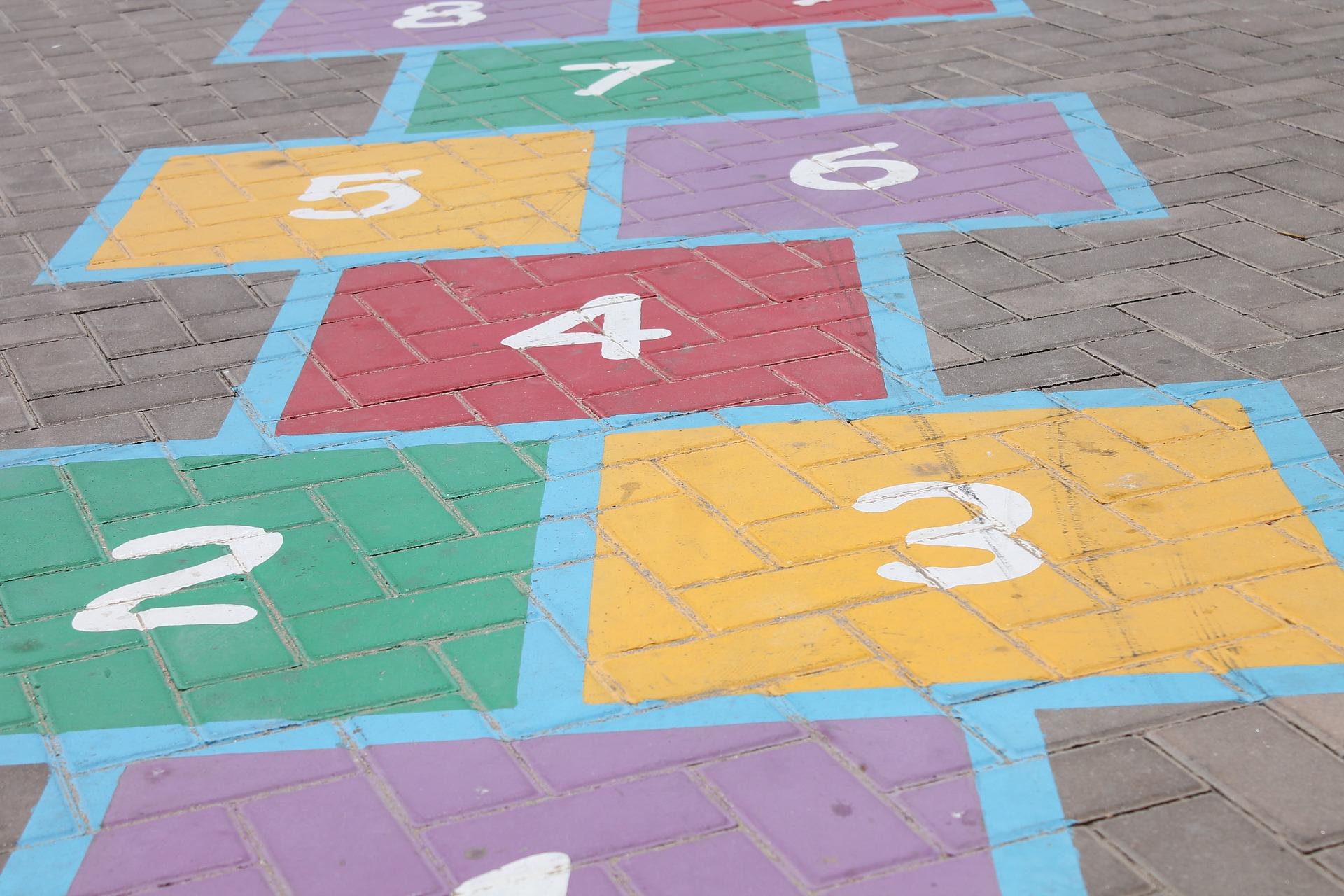 giochi per bambini con gessetti colorati campana